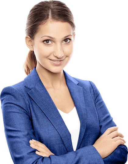 Junge Frau in Busineskleidung zur Wochenendbereitschaft oder der Beratung